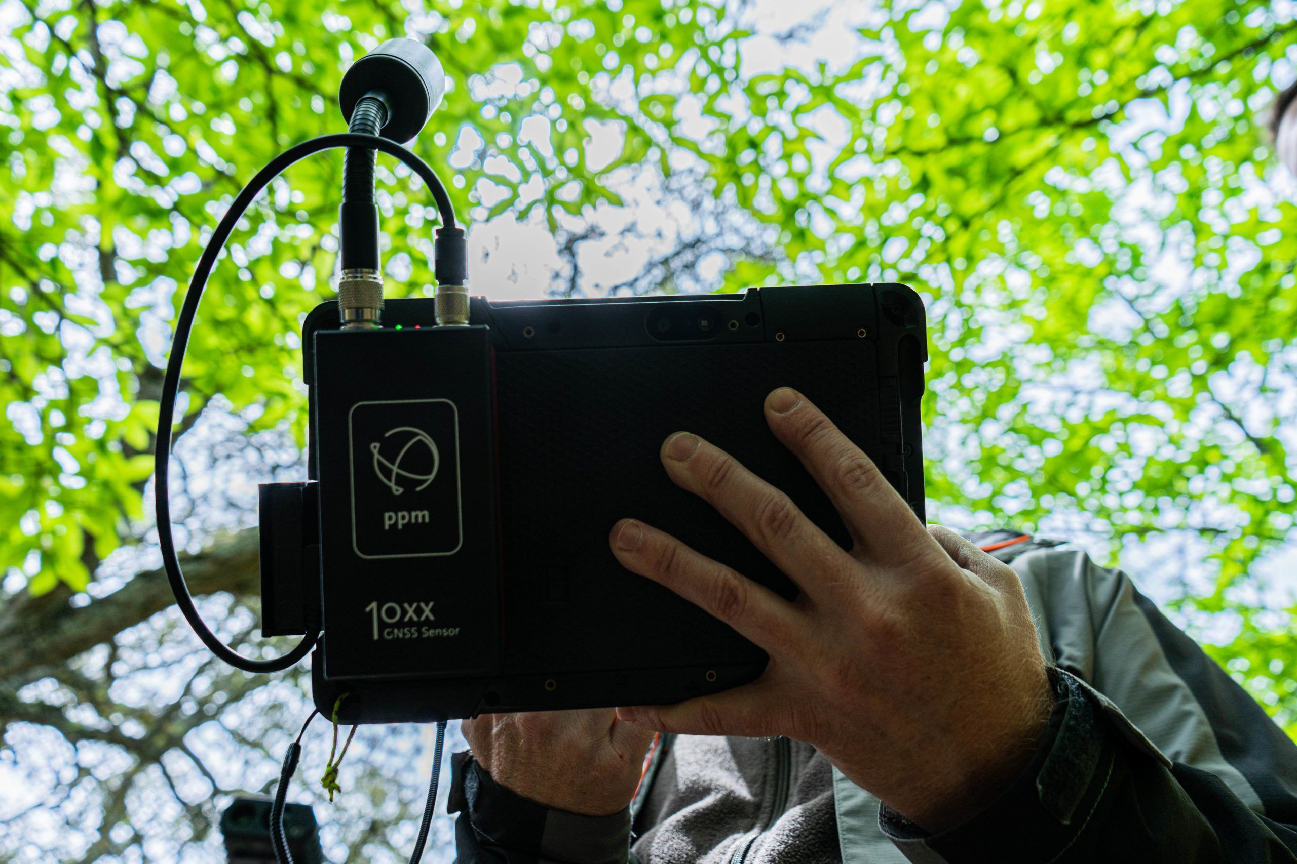GPS PPM 10X adherido a una tablet Getac, Field-Map Mobile GIS, medir terrenos, medir parcelas